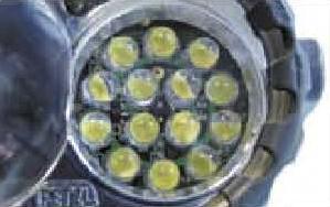 14組燈提供強力,穩定的近距照明